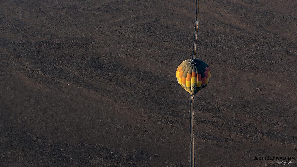 Ballon über der Namib; Namibia