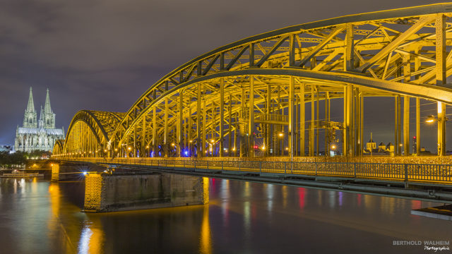 Hohenzollernbrücke & Dom; Köln