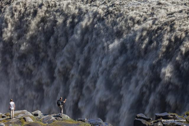 Dettifoss, mit fast 200m³/sec. einer der größten Wasserfälle auf Island