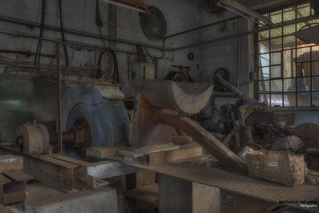 Der Arbeitsplatz eines Edelsteinschleifers