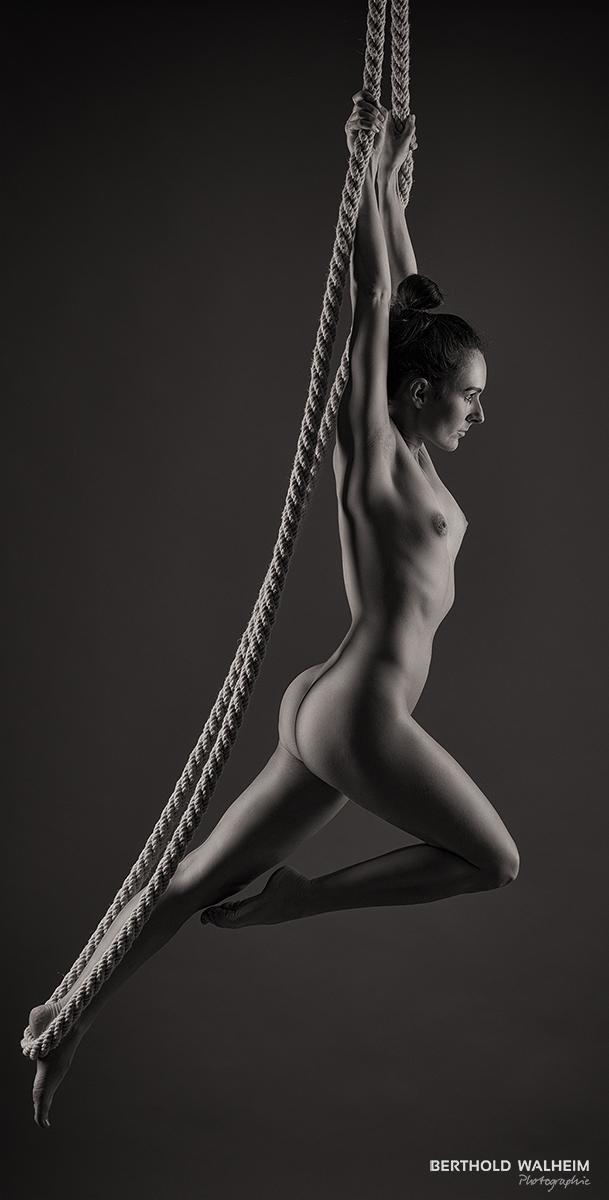 Corinne am Seil