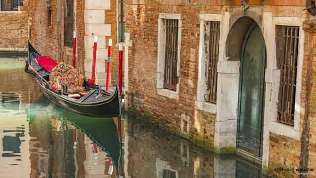 Venedig; Gondeln im Lockdown