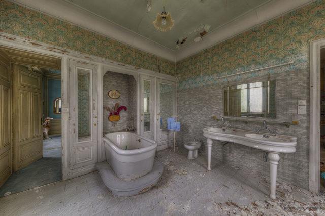Villa der Puppenmacherin - das Badezimmer
