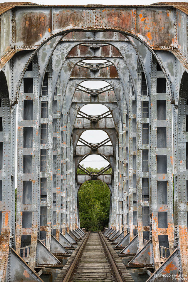Spoorwegbrug