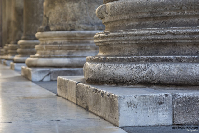 Rom; Säulenfüße des Phanteon