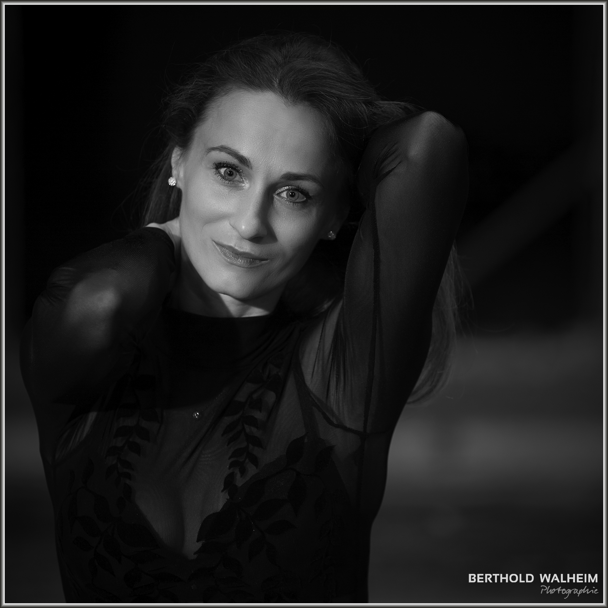 Alina black & white